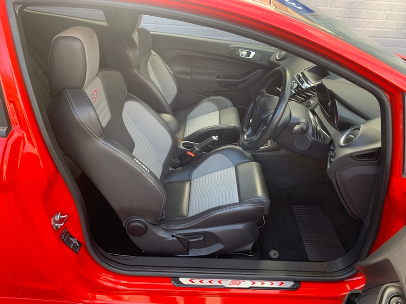View FORD FIESTA ST-3 Only 15000 miles FFSH 2 Owners Half Recaro Leather MP215 Kit