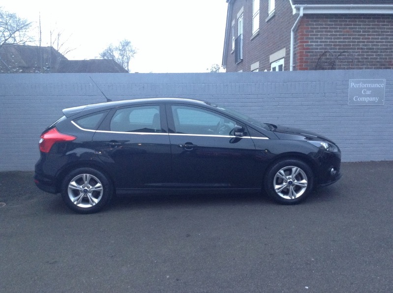 View FORD FOCUS 1.6 ZETEC 125 New Shape Only 18000miles FSH Climate AC